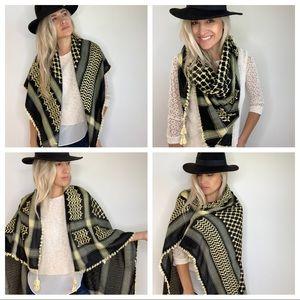 Tassel Edge Black & Cream Blanket Scarf / Shaul